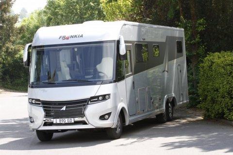 camping car 2019 salon arriere