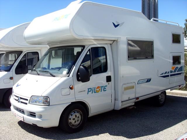 camping car capucine pilote