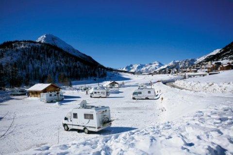 camping car hautes alpes