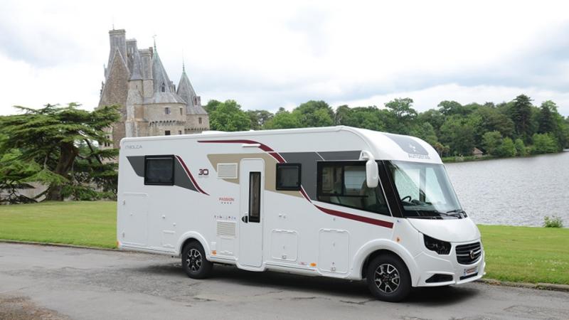 camping car integral autostar lit central