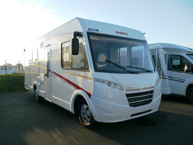 camping car integral avec porte passager