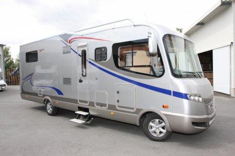 camping car integral frankia neuf