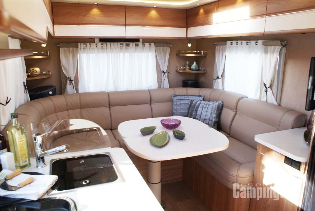camping car integral grand salon