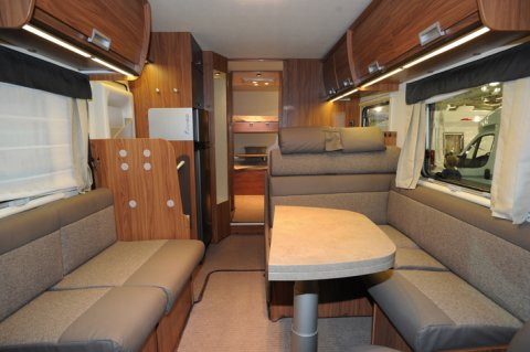 camping car integral itineo sb 720 lits superposes