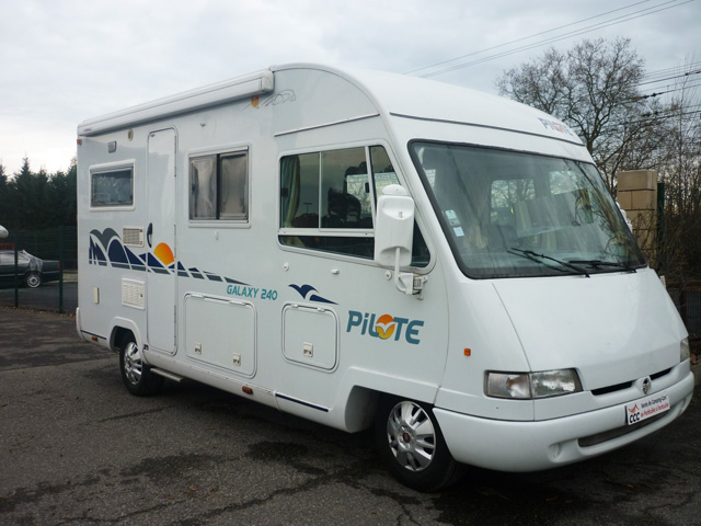 camping car integral pilote galaxy 240