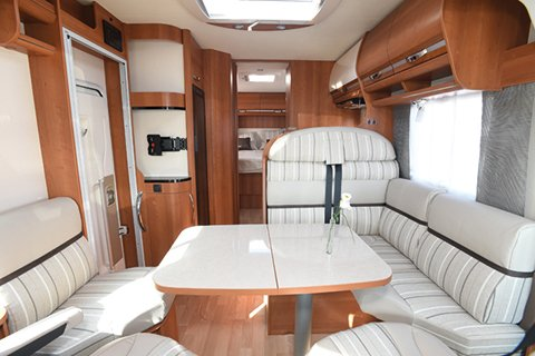 camping car integral rapido 880f