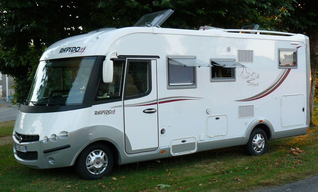 camping car integral rapido lits jumeaux occasion