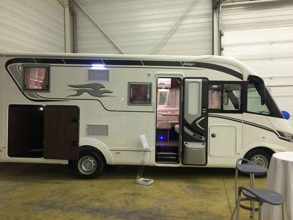 camping car integral soute garage