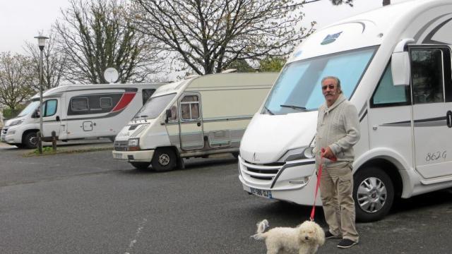 camping car nantes le sp cialiste du camping car. Black Bedroom Furniture Sets. Home Design Ideas