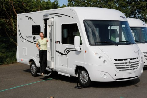 camping car pilote integral g 600