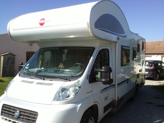 location camping car 4 places charente