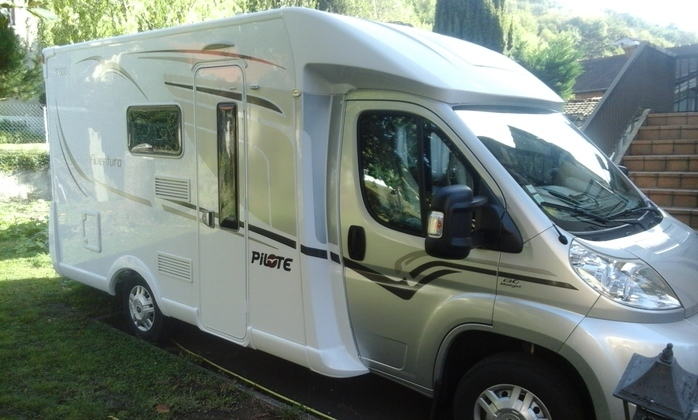 location camping car 6 personnes aveyron