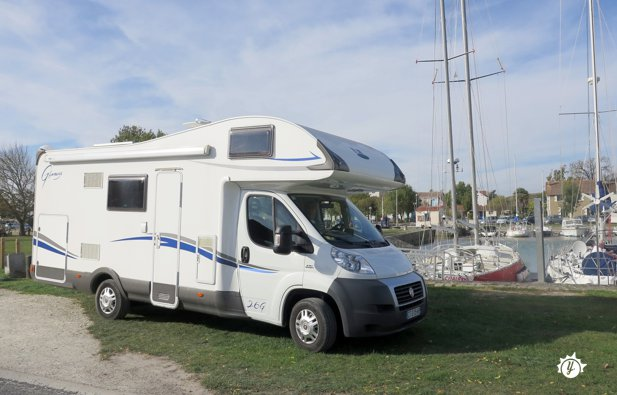 location camping car 6 places grenoble