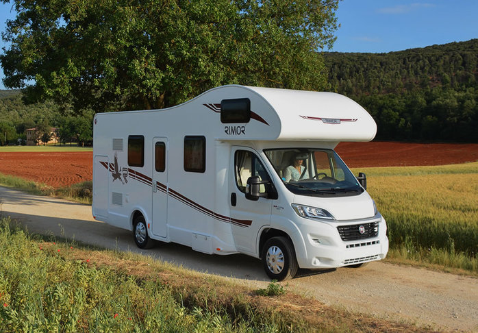 location camping car 7 places assises