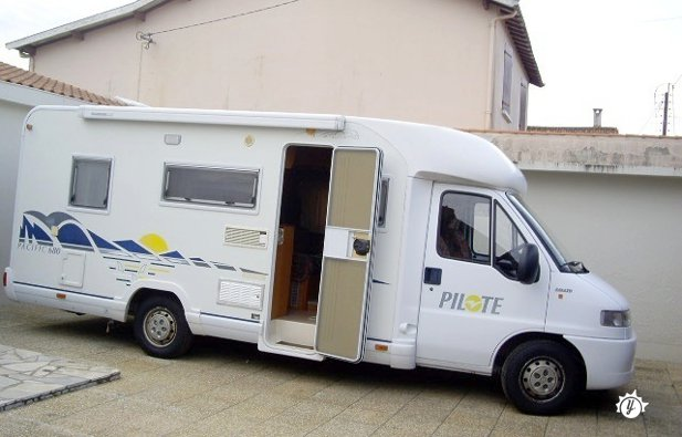 location camping car 8 places angers