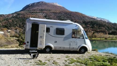 location camping car bouc bel air
