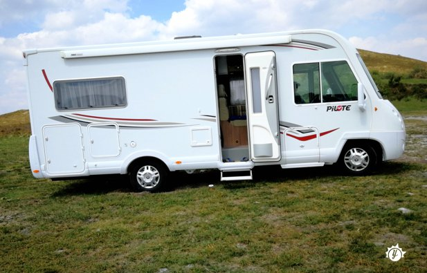 location camping car guidel