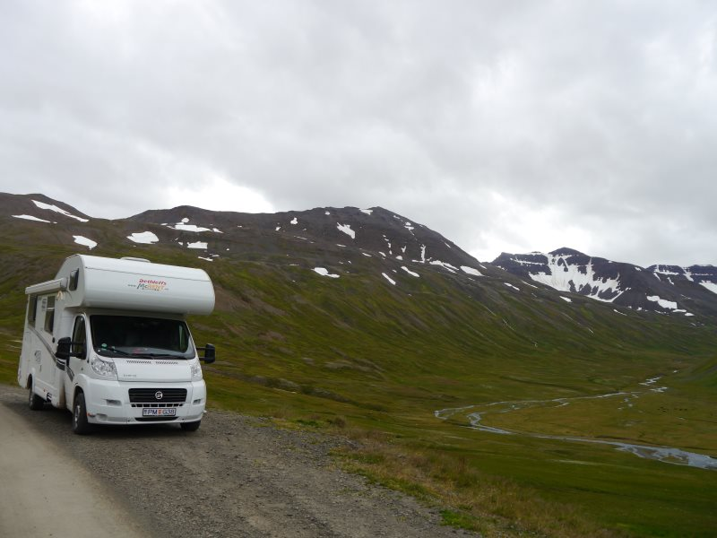 location camping car iceland