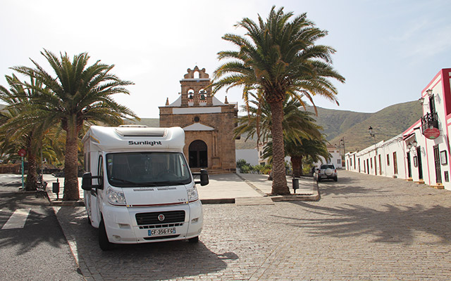 location camping car iles canaries