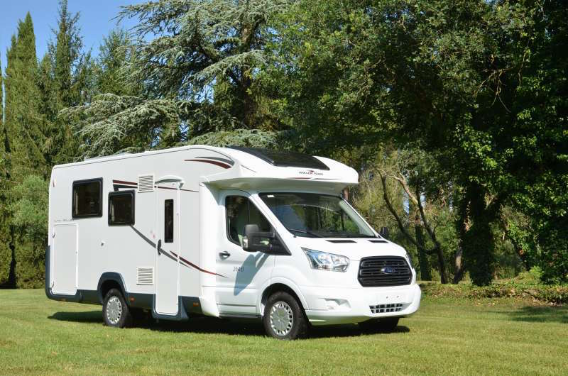 location camping car la garde