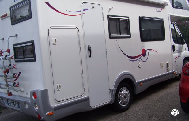 location camping car oyonnax