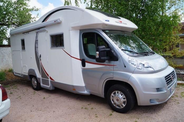 location camping car saint yorre