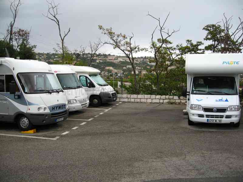 location camping car st laurent du var