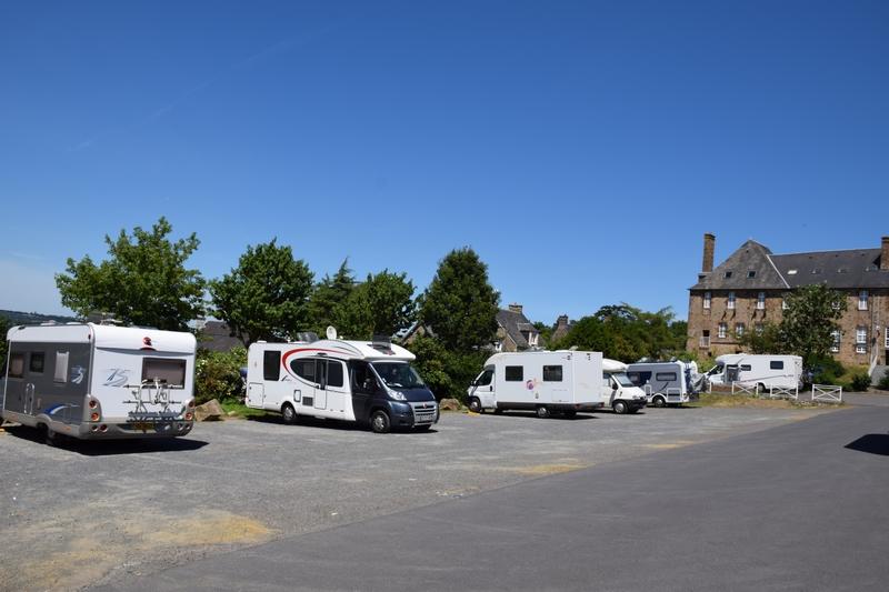location camping car super u parentis
