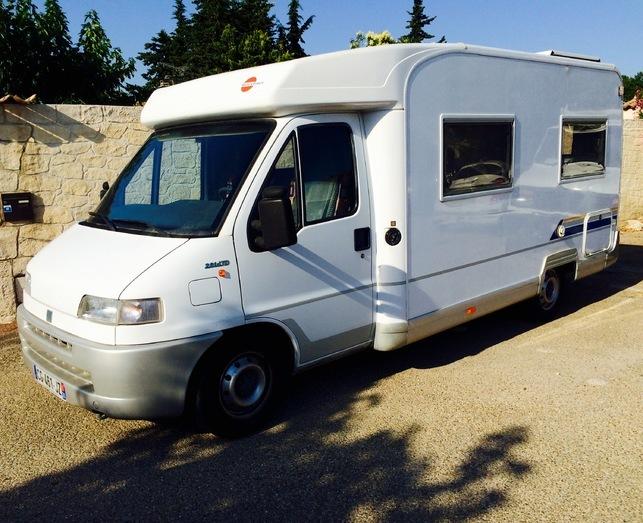 location camping car week end nimes