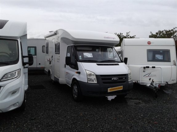 location camping car yffiniac