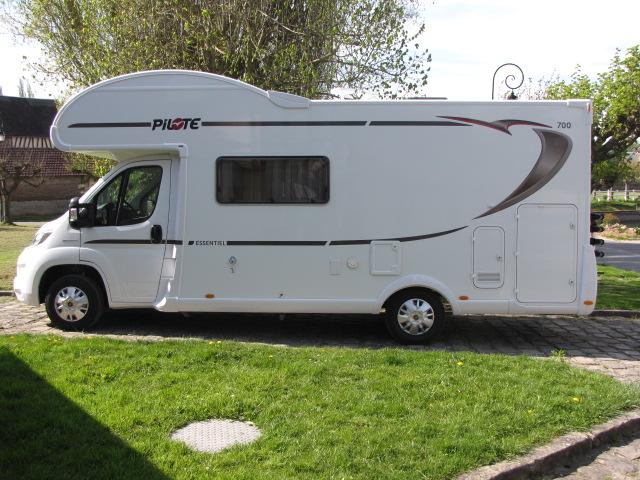 camping car capucine location