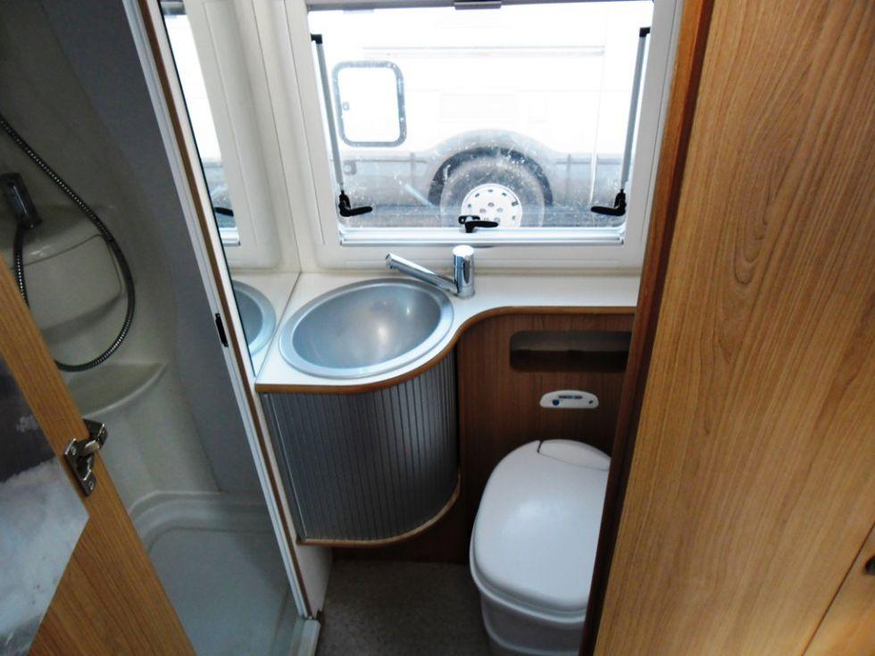 camping car integral adria vision 707 sg