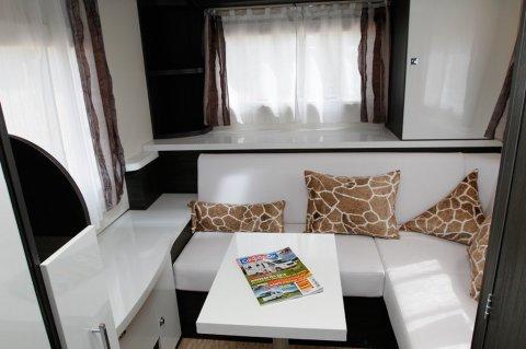 camping car integral sans lit pavillon