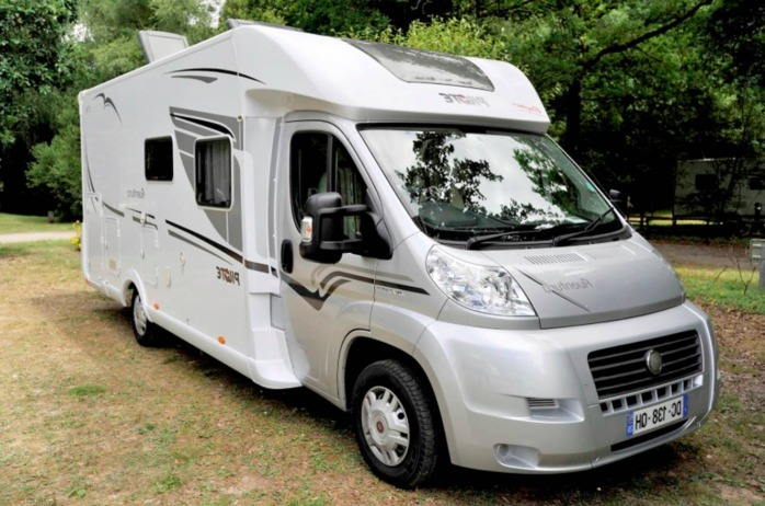 location camping car 4 places finistere