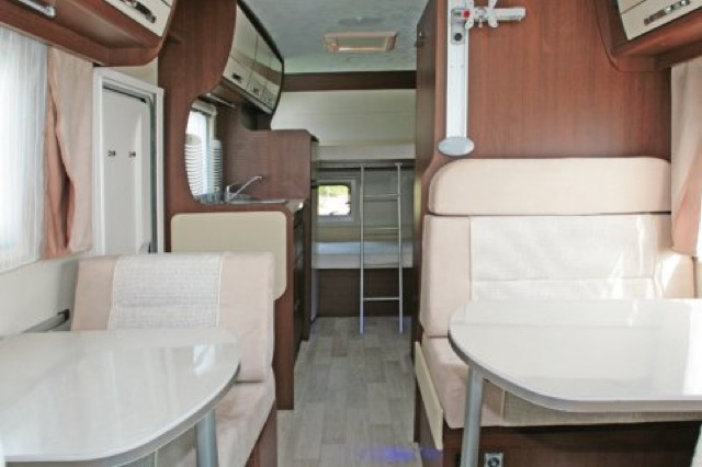 location camping car 8 places