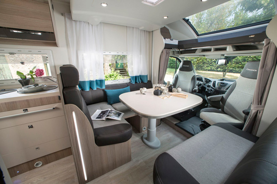 location camping car hertz lorient